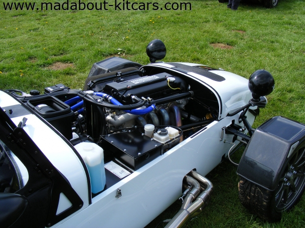 Caterham cars - CSR. Neat engine bay